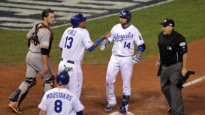 Baseball - Royals rip Giants, pull even in World Series