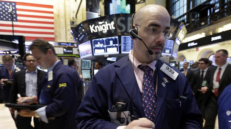 Stocks edge higher as earnings reports begin