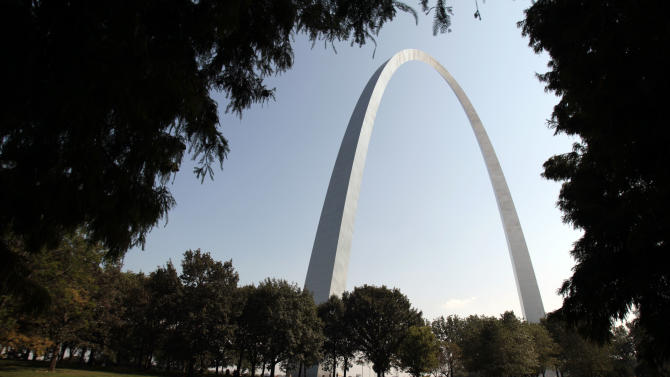 FILE - This Sept. 20, 2010 file photo shows the Gateway Arch in St. Louis. The Arch is among the diverse cultural heritage sites threatened by neglect, overdevelopment or social, political and economic change, The World Monuments Fund announced Tuesday, Oct. 8, 2013. The preservation group's watch list also cited escalating violence in Syria for the devastating effect on some of its monuments, including the citadel of Aleppo and the fortress of Qa'lat al-Mudique. (AP Photo/Jeff Roberson, File)