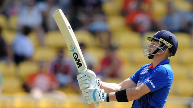 England's Joe Root plays a pull shot while batting against Sri Lanka during their Cricket World Cup match in Wellington, New Zealand, Sunday, March 1, 2015. (AP Photo Ross Setford)
