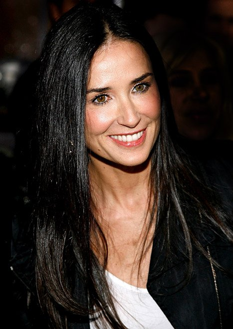 Demi Moore Changes Twitter …
