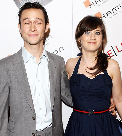"Joseph Gordon Levitt: Dating Zooey Deschanel Would Be ""Awkward"""