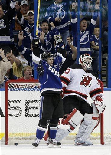 Lightning rally for 5-4 win over Devils