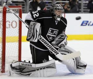 LA Kings push Canucks to brink with Game 3 shutout