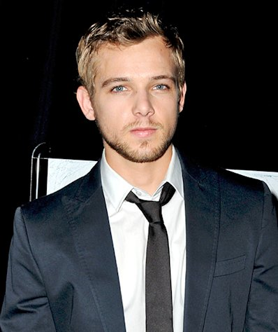 Actor Max Thieriot Engaged to Lexi Murphy!