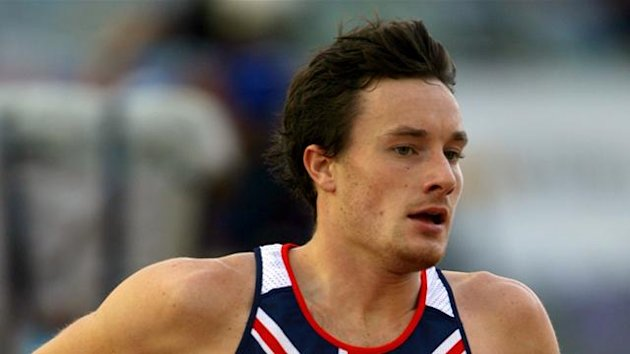Great Britain&#39;s Chris Thompson competes in the 5000m