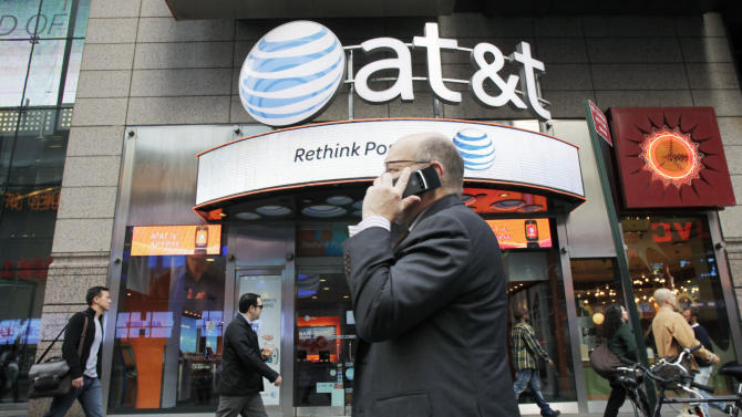 Monthly smartphone bills down at AT&T