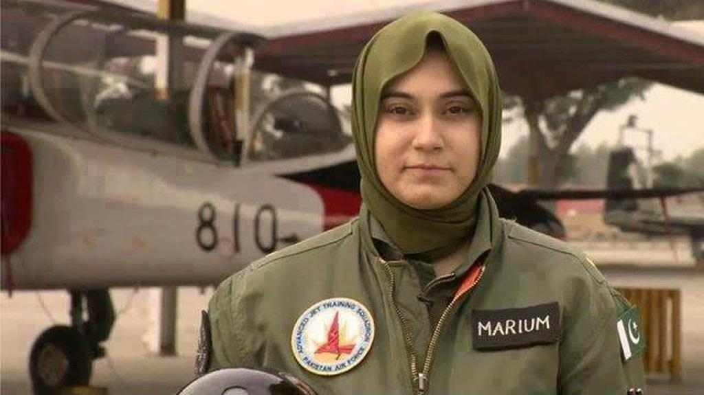 Pakistan female fighter pilot dies in jet crash