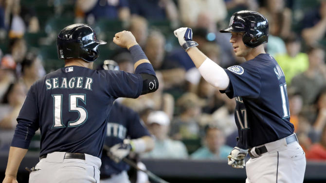 Smoak's HR caps 8-run 7th, Mariners top Astros