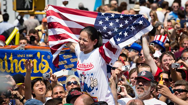 Coney Island Hot Dog Eating Contest: 68 in 10 Minutes
