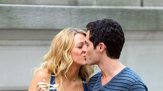 Lively Badgley Kissing