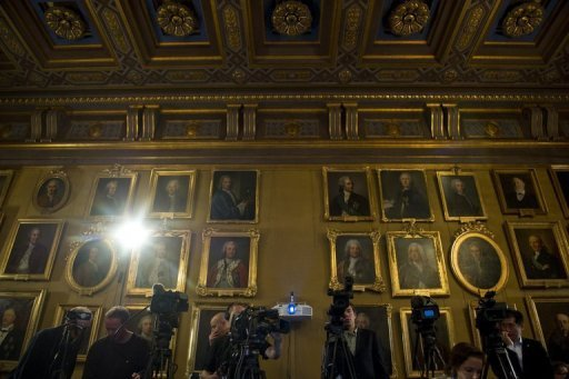 <p>Members of the media gather at the Swedish Royal Academy of Sciences in Stockholm in 2011. This year's Nobel season wraps up on Monday with the announcement of the economics prize, which US researchers are once again tipped to win, experts say.</p>