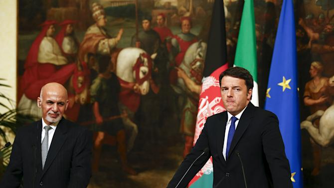 Afghanistan's President Ghani and Italian Prime Minister Renzi lead a news conference during a meeting at Chigi palace in Rome