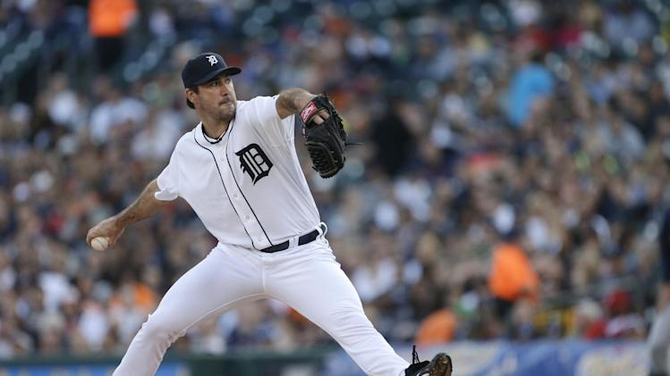 Detroit Tigers starting pitcher Justin Verlander throws during the second inning of a baseball game against the Minnesota Twins in Detroit, Tuesday, April 30, 2013. (AP Photo/Carlos Osorio)
