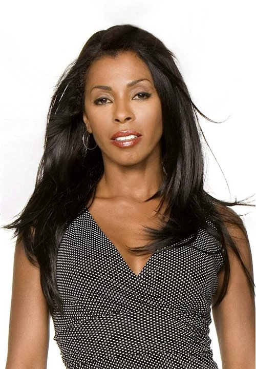 Khandi Alexander stars as Alexx Woods in CSI: Miami.