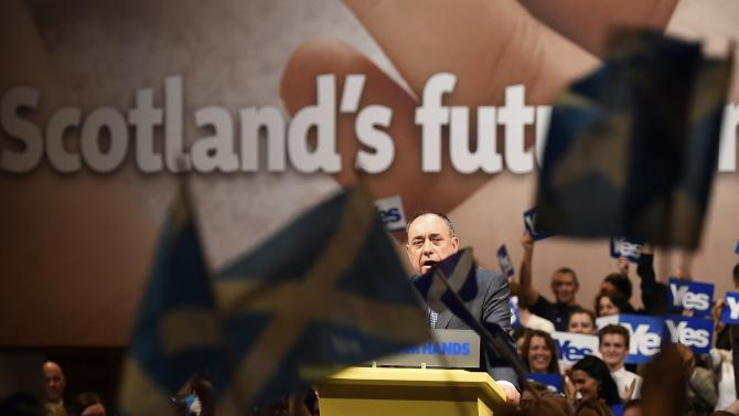 Scotland's First Minister Salmond speaks at a 'Yes' campaign rally in Perth, Scotland
