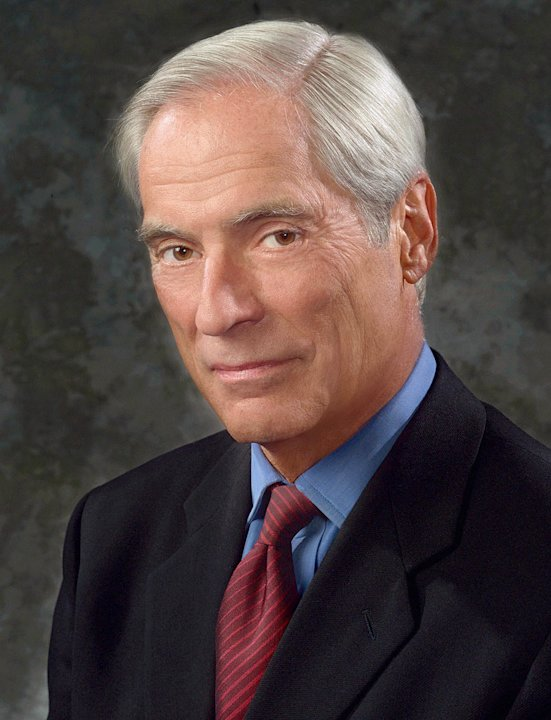 Bob Simon, correspondent for 60 Minutes on CBS.