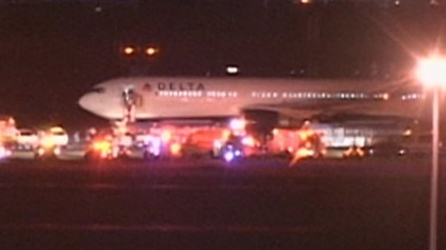 No Bomb Found on Delta Plane Returned to New York Over Suspicious Wires (ABC News)