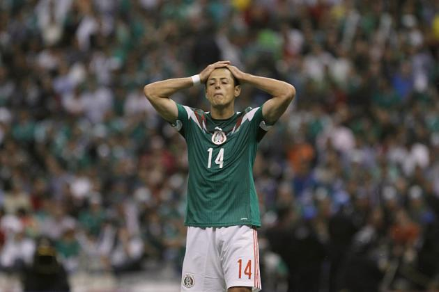 Mexico's Javier Hernandez reacts during their 2014 World Cup qualifying soccer match against Panama at Azteca stadium in Mexico City
