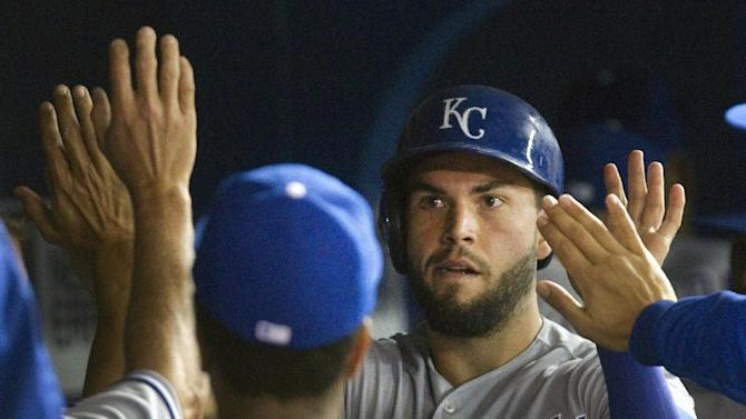 Royals rally to beat Blue Jays 8-6 in 10
