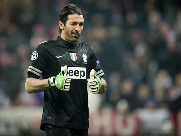 Buffon hails Juve and Napoli