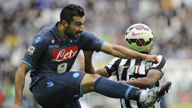 Football: Napoli's Raul Albiol in action with Juventus' Kingsley Coman
