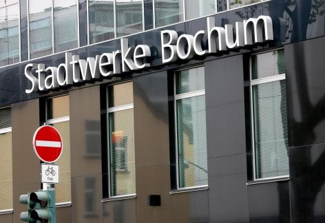 Die Stadtwerke Bochum ziehen erste Konsequenzen aus der Affre um hohe Honorare fr Teilnehmer an ihren Talkrunden. Alle Vertrge sollen knftig von der Rechtsabteilung geprft werden