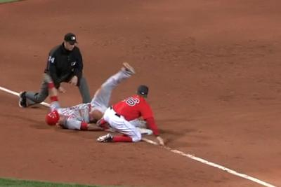Mike Trout flounders into third base with a ridiculous slide