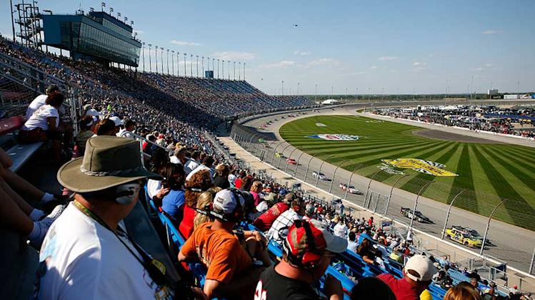 Chicagoland weekend NASCAR schedule