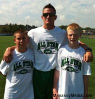 Jets punter Steve Weatherford at his high school football camp