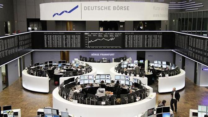 A general view of the trading floor with curve of the German share price index DAX board, at the Frankfurt stock exchange October 15, 2013. REUTERS/Remote/Stringer
