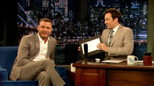 Liev Schreiber Has a Pocket Tweeting Habit