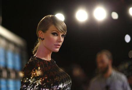 Taylor Swift dominates American Music Award nominations