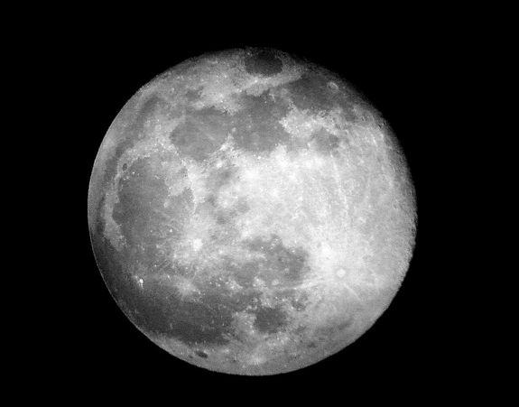 Moon's Phases Are a Lunar Delight for Stargazers