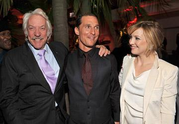 Donald Sutherland , Matthew McConaughey and Kate Hudson at the Hollywood premiere of Warner Bros. Pictures' Fool's Gold