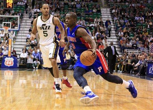 Grieving Jefferson leads Jazz past Pistons 105-90