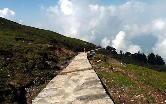 The trail to Tungnath