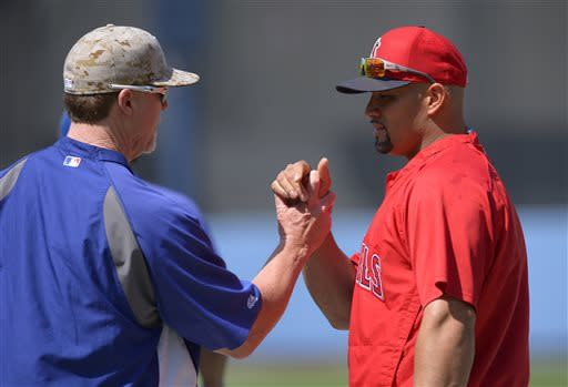 Gonzalez, Dodgers rally for 8-7 win over Angels