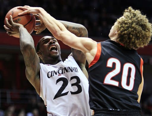 No. 22 Cincy beats Campbell 91-72 to stay unbeaten