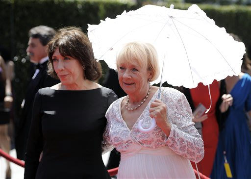 Lily Tomlin and Kathryn Joosten arrive at the Creative Arts Emmy Awards on Saturday, Aug. 21, 2010 in Los Angeles. (AP Photo/Chris Pizzello)