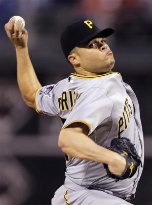 Pirates rally to beat Phillies