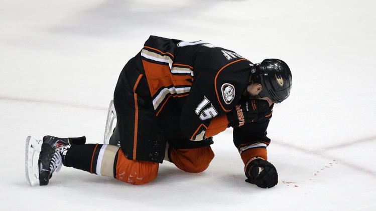 Anaheim Ducks jump to 4-goal lead, hold off Dallas Stars 4-3 in…