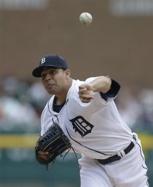Alvarez, Kelly lead Tigers to 4-1 win over Indians