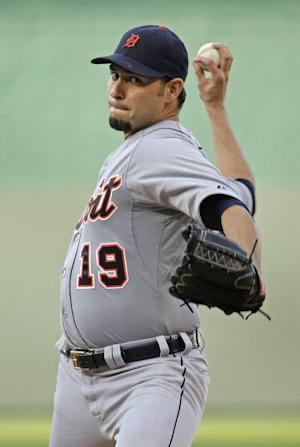 Sanchez helps Tigers squeak out 2-1 win over KC