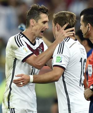 Klose adds World Cup title to scoring record