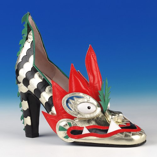Dragon shoe made by Thea Cadabra (1979 &amp; 1996)