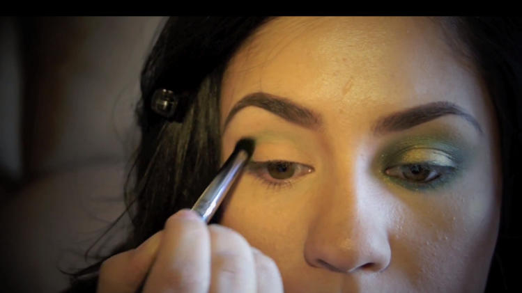 YouTube's JennisseMakeup offers a guide to St. Patrick's D … YouTube