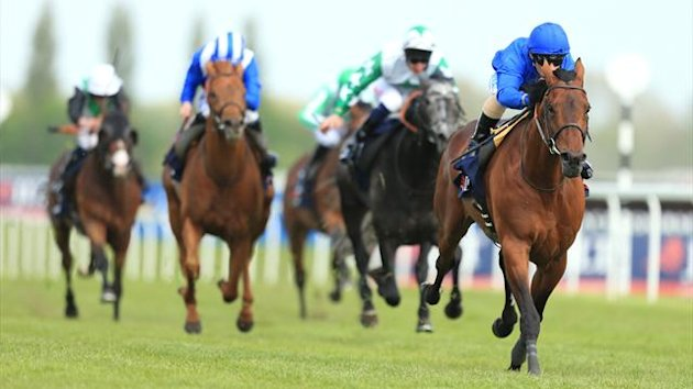 Farhh ridden by Silvestre De Sousa wins The JLT Lockinge Stakes (PA)