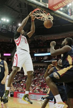 Pelicans beat Rockets in Howard's debut