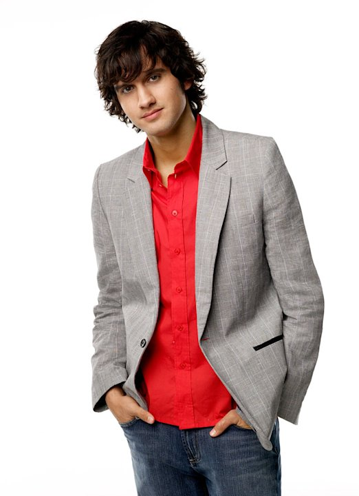 Michael Steger stars as Navid Shirazi in 90210. 